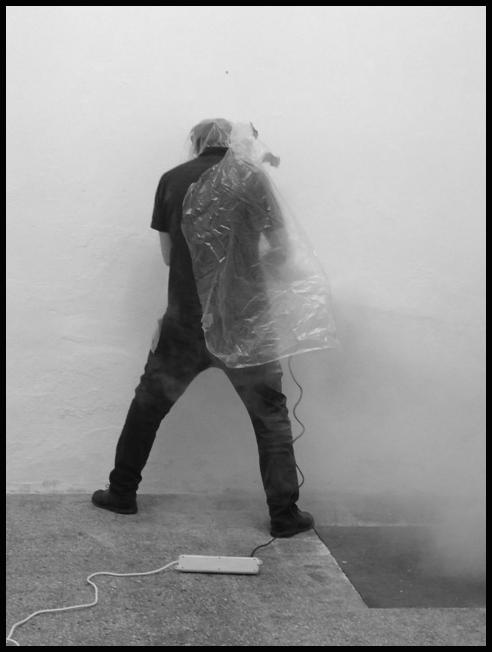 lunedì 3 giugno 2013, Mauro Vignando lavora alla mostra personale, Wison Project Space, Via Marsiglia 35_A, Sassari