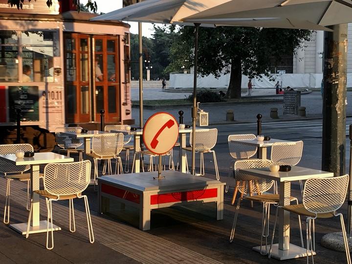 RIP Cabina di Piazza Sempione, 1972 - 2011(c.) Questo punto di Piazza Sempione una volta era un angolo trafficatissimo, ora c'è un baretto.