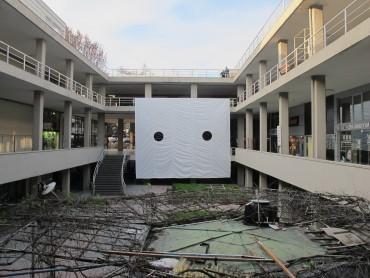 Will , Mattia Pajè/Filippo Marzocchi, collage su PVC 8,5 x 10 m, veduta dell'installazione presso IMC Block 6, Istanbul, 2015