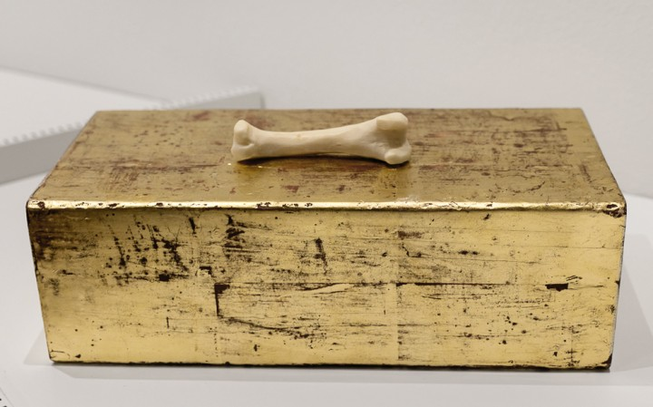 Cristina Palandri, _1933_, 2016, Sapone, foglia d'oro, legno